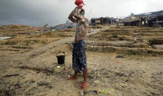 Rohingové se bojí návratu doBarmy. Komisař OSN pro lidská práva mluví o genocidě