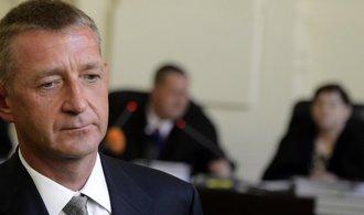 Brněnský soud chce vidět Janouškův zdravotní posudek