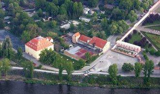 Praha chce Trojský pivovar koupit levněji. Chce v něm hotel a restauraci