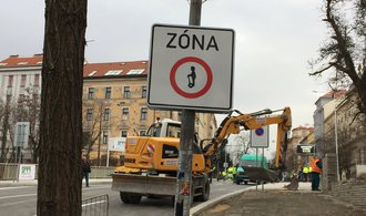 Parlamentní listy neoznačily texty placené pražským magistrátem jako reklamu