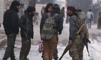 Povstalci v Halabu prohrávají, čelí masivnímu bombardování
