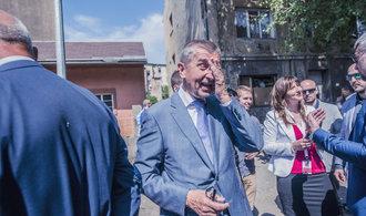 Komentář Dušana Šrámka: Stát objedná, advokát zaplatí