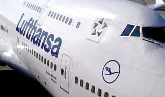 Útoky ve Španělsku způsobily pokles akcií aerolinek a cestovních kanceláří