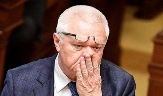 Komentář Jana Šindeláře: Vrtěti mýtem