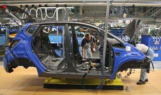Autoprůmysl má za sebou rekordní rok, už ale naráží na svůj strop