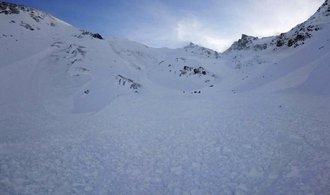 Dva Češi zahynuli pod lavinou v Rakousku, dva se podařilo zachránit