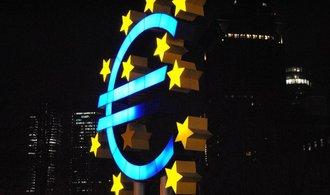 Merkelová s Macronem se dohodli na reformě eurozóny, plán představí v létě