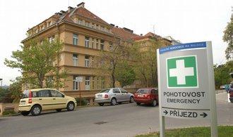 Atmosféra v nemocnicích kvůli příplatkům houstne. Odbory chtějí peníze navíc pro všechny sestry