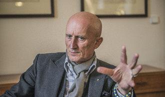 Senátor Valenta převádí majetek do svěřenského fondu