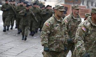 Trump: NATO se musí ve stejné míře zaměřit na terorismus i migraci