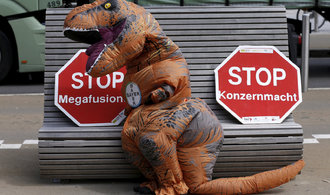 Brusel se bojí fúze Bayeru a Monsanta, může poškodit trh se semeny a pesticidy