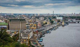 Ukrajina chystá úder na menšiny, varuje šéf maďarské diplomacie