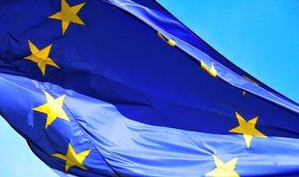 Tvrdý brexit? Evropská komise představila plán, jak mu čelit