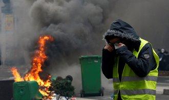 Francií hýbou demonstrace, zúčastnilo se jich přes sto třicet tisíc lidí