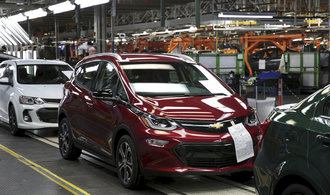 Prodej aut v Evropě klesl skoro o čtvrtinu. Na vině jsou nové emisní normy