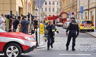 Proč v centru Prahy padaly stropy? Dům v Mikulandské ohledávají kriminalisté