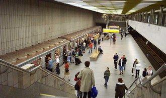 V pražském metru už funguje wi-fi připojení, zatím ale jen v šesti stanicích