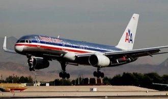 Největší letecké společnosti American Airlines se propadl zisk o 67 procent