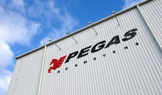 Čistý zisk textilky Pegas Nonwovens klesl o čtyřicet procent