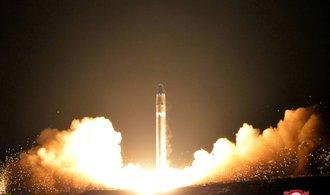 Kim Čong-un: KLDR zastavuje s okamžitou platností jaderné a raketové testy