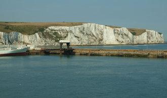 Britský ministr Johnson chce mostem překlenout La Manche, nápad se zalíbil Macronovi