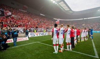 Fotbalová Slavia vyměnila majitele, v čínských rukou zůstává
