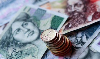 Největším bankám se daří, vydělávají více než loni