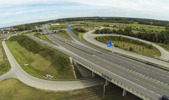 Úsek dálnice D11 do Hradce se otevře za měsíc, pokračování trasy brání ekologové