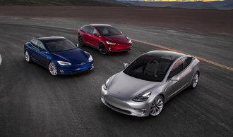 Tesla začíná dodávat Model 3 zákazníkům. Na vůz má půl milionu objednávek