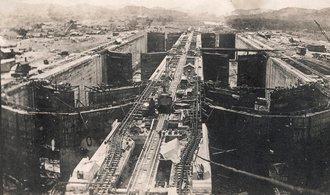 OBRAZEM: Stavba, která spojila oceány. Před 104 lety byl otevřen Panamský průplav