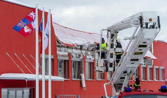 Za zřícení střechy v České Třebové může projektant se statikem, hrozí jim až osm let vězení