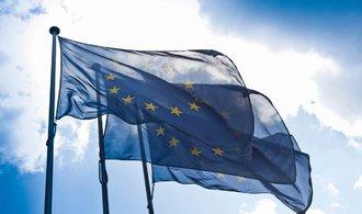 Zadlužení států EU kleslo, v Česku je čtvrté nejnižší