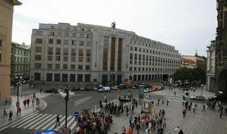 Intervence přinesly exportérům přímo 687 miliard korun