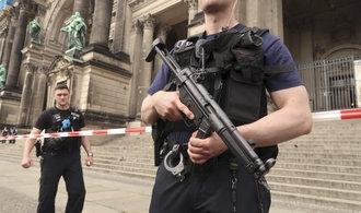 Útočník v německém Lübecku zranil čtrnáct lidí