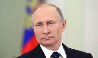 Putinova popularita po letech klesla pod šedesát procent