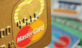 Drtivá většina plateb kartami Mastercard v Česku probíhá bezkontaktně