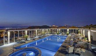 Alexandria chce nakupovat cestovní kanceláře a hotely