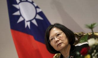 Čína vzkazuje Trumpovi, že si v otázce Tchaj-wanu zahrává s ohněm
