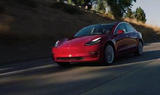 Co plánuje Elon Musk? S Teslou chce odstavit fosilní paliva na druhou kolej