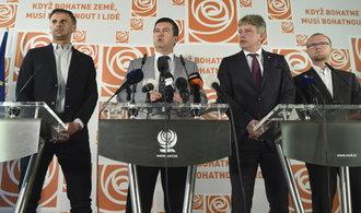Jednání o vládě budou pokračovat příští týden, účastnit se jich budou i nadále komunisté