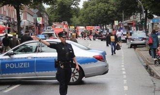 Útočník v Hamburku pobodal pět lidí, jeden člověk zemřel