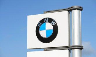 BMW s masovou výrobou elektromobilů nespěchá
