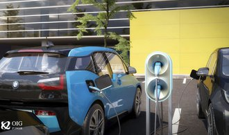 Exministr Kuba se chystá nabíjet elektromobily, láká na ryze zelenou energii