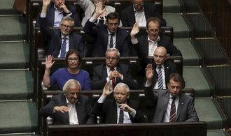 Polský senát schválil kontroverzní reorganizaci nejvyššího soudu