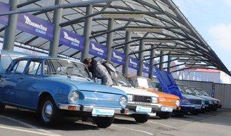OBRAZEM: Ferrari i socialistické retro. Mototechna nabízí auta jako investici