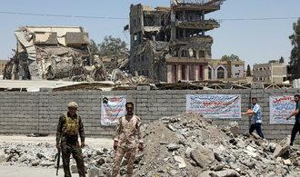 Irácký premiér hlásí konec Islámského státu, vojáci dobyli mešitu v Mosulu