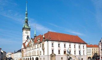 ANO se v Olomouci podepsalo smlouvu s ODS, KDU-ČSL a spOlečně. ČSSD míří do opozice