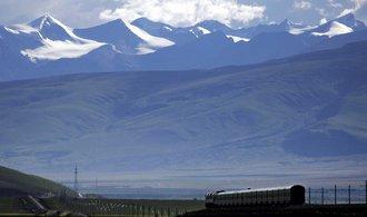 Vlakem do Tibetu: čtěte reportáž z cesty nejvýše položenou železnicí světa