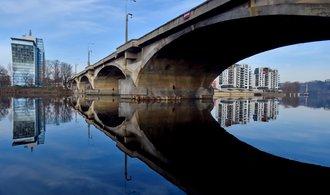 Na Libeňský most se brzy vrátí tramvaje