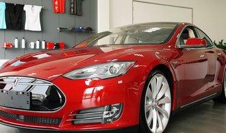 Tesla dokázala na jedno nabití ujet přes 900 kilometrů, mělo to ale háček